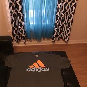 Adidas men tee